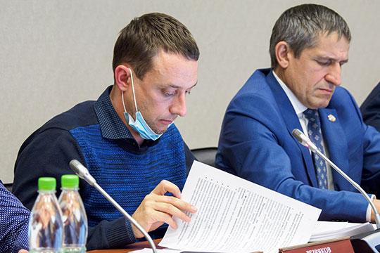 Андрей Резвяков объяснил, что с технико-экономической точки зрения дорогу проложили с минимальным изъятием по рыночной цене