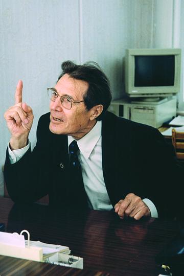Мирза Махмутов.1990-е гг