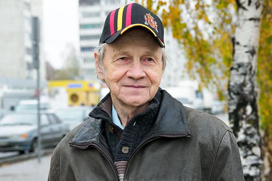 Фарид Хакимзянов: «В1976 году меня взяли наработу вИЯЛИ им.Г. Ибрагимова. Поначалу отношение было настороженное— «москвич приехал». Нояинедумал задиратьнос. Москва меня неиспортила»