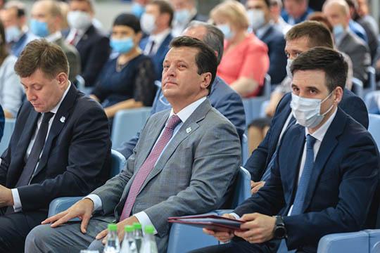 Все опрошенные эксперты «БИЗНЕС Online» пришли к мнению, что лидером рейтинга был и остается мэр Казани Ильсур Метшин. Он в этом году переизбрался на новый срок