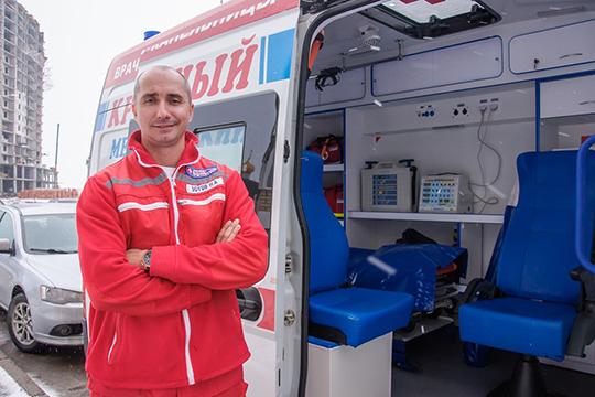 Николай Зотов: «Династия у нас врачебная, поэтому, возможно, у меня не было выбора, кем стать по профессии (смеется). На самом деле выбор всегда есть, и это было мое желание пойти в медицину»