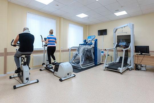 Реабилитация бывших ковид-больных проводится набазе поликлиник ицентральных районных больниц врамках дневного стационара