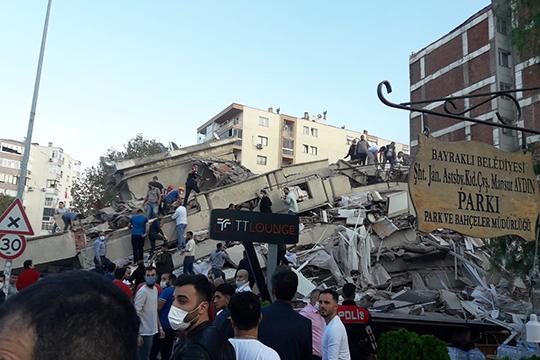 Сегодня в третьем часу дня в Эгейском море произошло сильное землетрясение. В эпицентре оказались города Греции и Турции, особенно сильно пострадал Измир