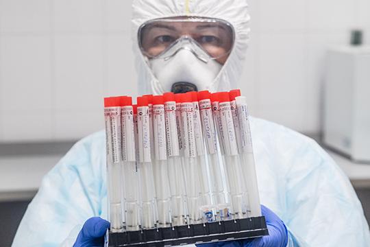 В нашей стране уже могли бы приступить к широкому выпуску таких вакцин, но — нет мощностей. Как выразился президент, нет «железа». И вот это уже имеет прямое отношение к национальным проектам