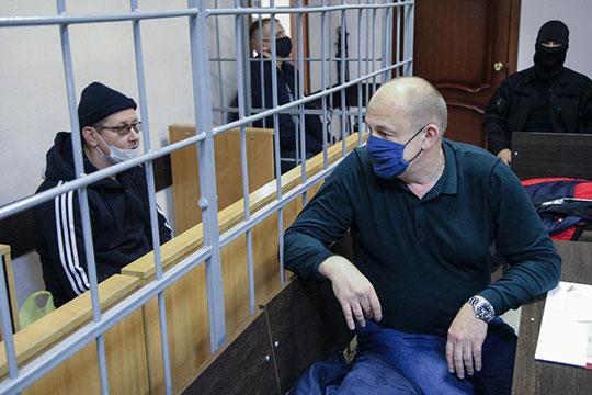 Выговорите, что Ершов скрывался, находился врозыске. Авыхоть раз его вызывали надопрос вустановленном законом порядке? —поинтересовался уследствия адвокат