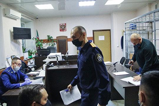 С ходатайством об аресте Ершова в суд обратился старший следователь отдела Раиль Самигуллин, однако в суде интересы следствия представлял его коллега Марат Хадеев