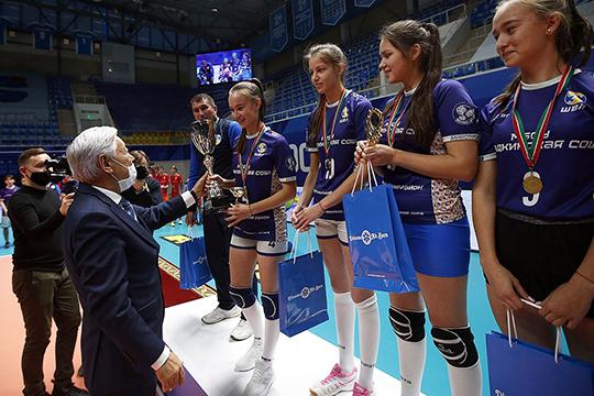 Президент Федерации волейбола Татарстана, председатель Госсовета РТФарид Мухаметшинпоручил клубам разработать проект лиги. Они перенесли алгоритмы профессионального спорта налюбительскую лигу, поэтому уровень организации изначально получился высоким