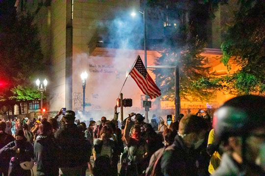 «Расовые бунты вСША имеют тенденцию кусилению»