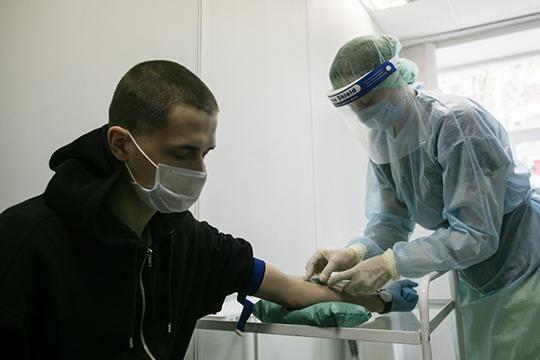 «Могут ли вакцинированные заболеть? Могут, но если это случится, они точно перенесут болезнь более легко и не должно у них развиваться осложнений»