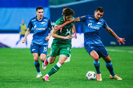 После победы в Санкт-Петербурге над «Зенитом» казанцы были недовольны тем, что игроки питерцев несколько раз ударили локтями игроков «Рубина» в лицо