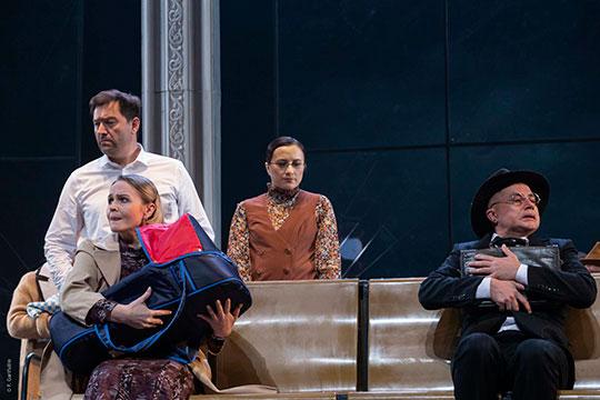 «Отношение татар к театру выразил меткой фразой еще Габдулла Тукай, звучала она в стихотворении «Театр ведет к свету»