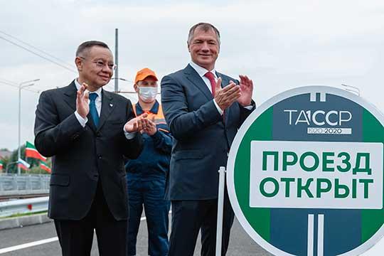 Та победа над «СНИПами-хрипами», о которой с подачи Путина отрапортовал Марат Хуснуллин (справа), ковалась во многом в скромном кабинете первого замминистра строительства РФ Ирека Файзуллина (слева)