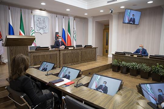 Одной из главных тем минувшего делового понедельника в исполкоме Казани стало двукратное падение доходов бюджета Казани от наружной рекламы