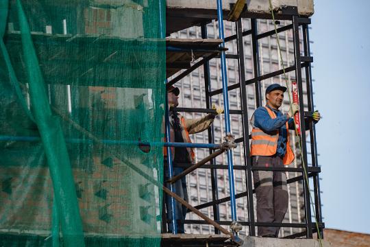 Напомним, согласно путинскому нацпроекту «Жилье игородская среда», Татарстан уже с2024 года должен вводить по3,6млн кв. мжилья ежегодно (вместо традиционных 2,4млн кв. м)