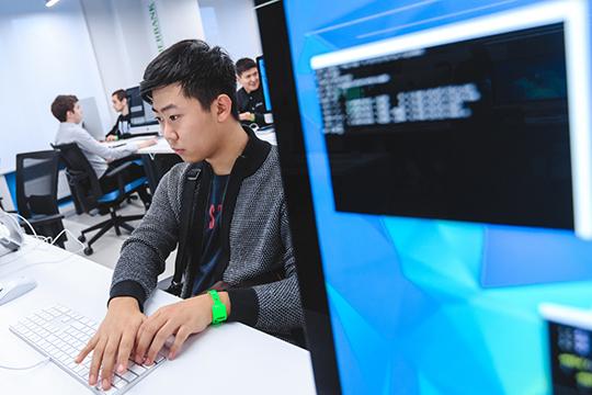«Идет заражение молодежной среды хакерством, когда с помощью информационных технологий противоправно можно получать огромные средства»