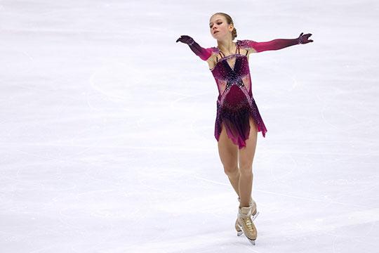 Всего Трусова заходила на четыре четверных — сделала три и набрала больше баллов, чем мировой рекорд