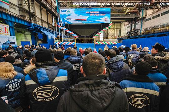 «Завод имени Горького развивается в конкурентной среде, верфь работает, есть крупные заказы, рассчитанные на несколько лет вперед»