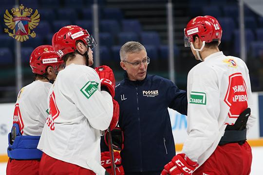 «Тренеры старались привить нам советский хоккей — красивый и комбинационный. Мы всегда должны были владеть шайбой, чтобы у соперников не было возможность нам забить»