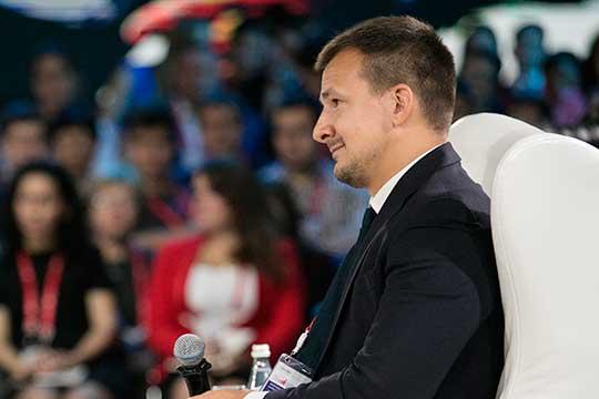 Николай Корженевский,сославшись намнение экономического сообщества, сказал, что есть мнение, что бюджетная политика может оказаться слишком жесткой