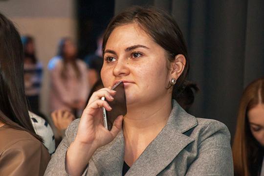 Ленария Муслюмова:«Температуру ночью сбила при помощи аспирина илитра чая сдушицей— главного лекарства отвсех простуд утатар»
