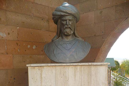 Слово «батя» как раз отимени Батый, русские назвали его царем, ониобъединил, изначально создал территорию России, тогда ибыла Золотая Орда