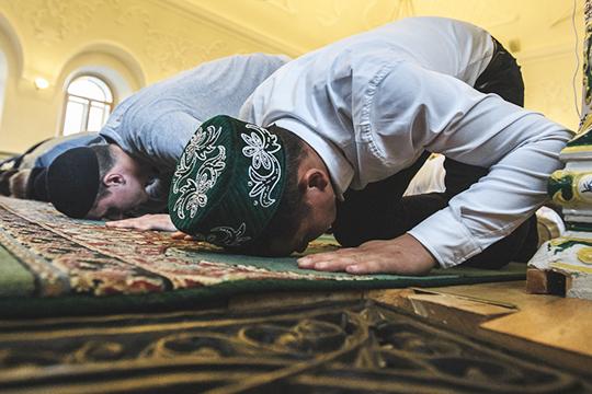 «Татары, насамом деле, являются представителями тюрко-мусульманской цивилизации.Имы, проживая вРоссии, конечно, вписываемся вроссийское пространство, новсе равно этим крылом выходим запределы так называемой российской цивилизации»