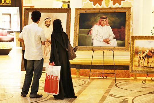 Что касается добрачных или внебрачных отношений, категорически запрещенных всеми правовыми школами ислама, арабами придумано немало лазеек, чтобы обойтиих