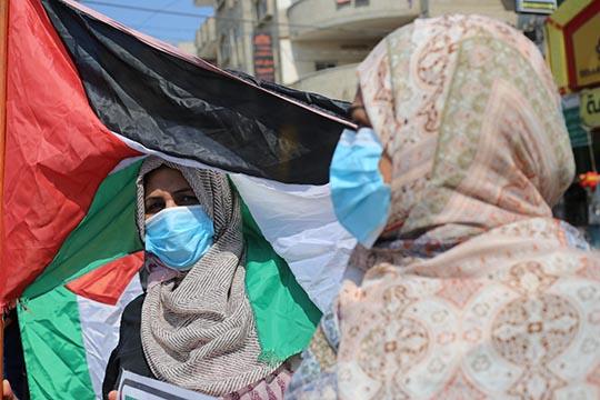 Власти ОАЭ отменили статью, смягчающую наказание затак называемые «убийства воимя чести»— убийство, совершенное членами семьи мужского пола против членов семьи женского пола, «опозоривших» семью