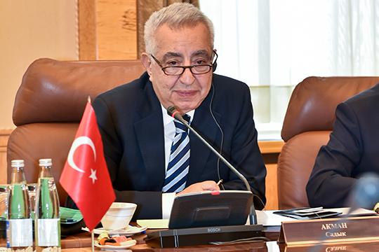 Впервые в нашем рейтинге появился гендиректор турецкой компании «Гемонт» Акман Садык (22), которая сейчас занимается строительством завода «Этилен-600» для ТАИФа