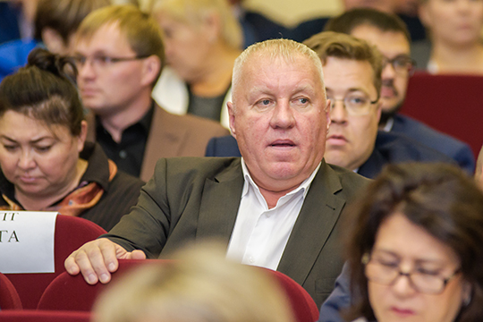 Надве позиции поднялсяВасилий Филиппов(35), который возглавил работу недавно открывшегося вНижнекамске отдела Росприроднадзора РТ, доэтого Филиппов фигурировал лишь как депутат районного совета