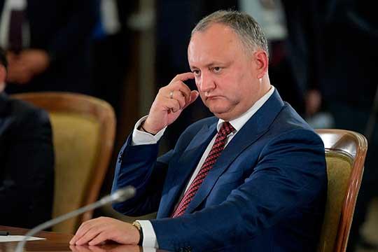 Игорь Додонпоздравил свою оппонентку лишь с«предварительной победой» навыборах изаявил омногочисленных нарушениях ижеланииоспоритьрезультаты выборов всуде