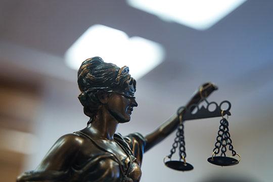 Какое будущее теперь ждет председателя Конституционного суда иего судей? До2023 года они могут спокойно работать, адальше многих ждет судейская пенсия, поскольку всуд общей юрисдикции импуть практически закрыт