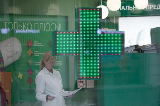Между тем, в аптеках дефицит лекарств не спадает. В предыдущих материалах мы уже приводили список препаратов, необходимых для лечения от коронавируса