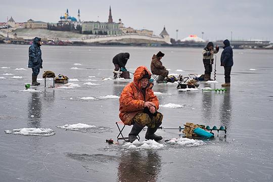 Аномальные для ноября морозы нетолько избавили отосенней слякоти, нои, крадости рыболовов, привели кбыстрому ледоставу