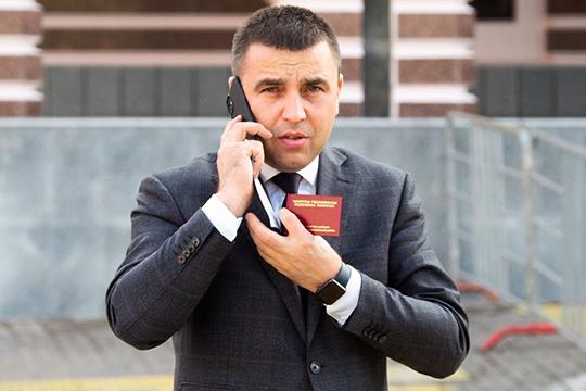 Исполком Заинского района в течение пяти последних лет возглавлял 36-летний Ильнар Хафизов. В ноябре этого года он занял должность гендиректора ГУП РТ «Татлизинг»