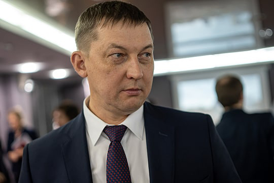 В конце октября сменился и глава Зеленодольского райисполкома — должность занял 48-летний Ильяс Ганиев. Родился и вырос он в Казани, по образованию — инженер-строитель