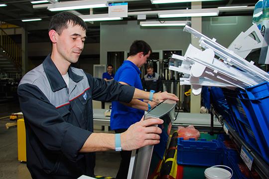 Крупнейший китайский производитель бытовой техники Midea готоввложитьвпроизводство холодильников1млрд рублей, чтобы собирать до350тыс. холодильников вгод
