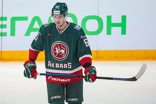 Защитник Лучевнков многими несамыми дотошными болельщиками воспринимается как молодой игрок системы— хоккеист появился вглавной команде Казани только вэтом году