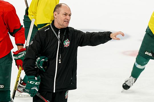 Константин играл в«Барсе» уСергея Душкина (на фото)впохожий хоккей, который стараются ставить всем командам клубной вертикали