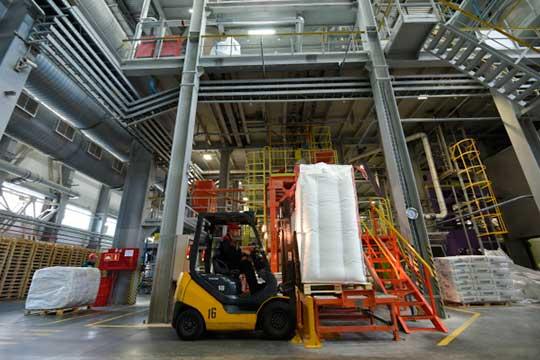 Как пояснили в ФАС РФ, НКНХ был признан нарушившим сразу несколько пунктов закона о защите конкуренции на рынке синтетических каучуков