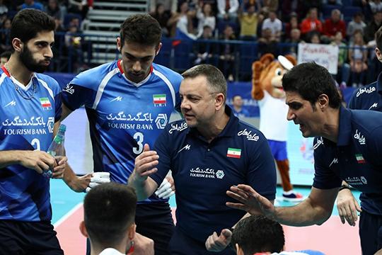 Иран должен был сыграть на Олимпиаде под руководством Игора Колаковича. Однако после переноса Игр в Токио на год из-за пандемии коронавируса Федерация волейбола Ирана в марте 2020-го расторгла контракт с черногорцем