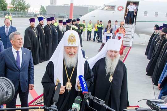 В 1993 году Феофан вернулся в Москву и стал заместителем председателя отдела внешних церковных связей РПЦ митрополита Кирилла (ныне — патриарха Московского и Всея Руси)