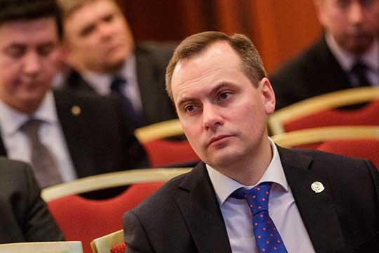 Артем Здунов на этой неделе был назначен врио главы Мордовии. С этой республикой его практически ничего не связывает, хотя по национальности чиновник принадлежит к эрзя — одной из двух основных этнических групп мордвы