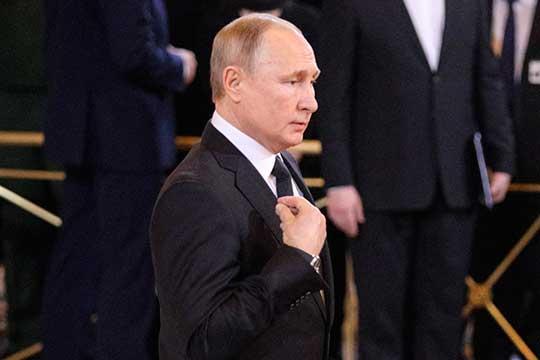 «Сейчас идет артподготовка. Слухи об «особых обстоятельствах» Владимира Путина вносят в российскую элиту серьезную дезорганизацию и потенциально могут помешать власти реализовать свой сценарий транзит»