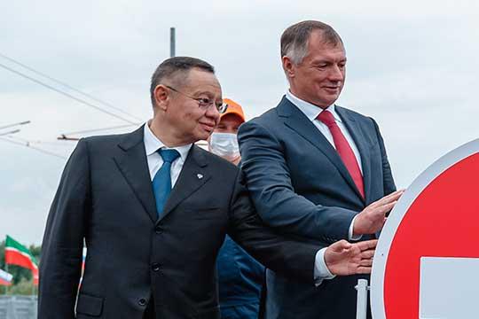 «Хуснуллин и весь татарстанский клан являются операторами интересов влиятельных элитных групп, Ротенбергов и прочих. Несмотря на то, что Хуснуллин высокопоставленный и облеченный большими полномочиями чиновник»