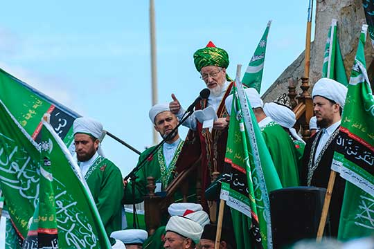 В 1989 году Талгат Таджуддин уже проводил 1100-летие принятия ислама Волжской Булгарией по мусульманскому летоисчислению. С этого момента и началась история ежегодных «Изге Болгар жыены»