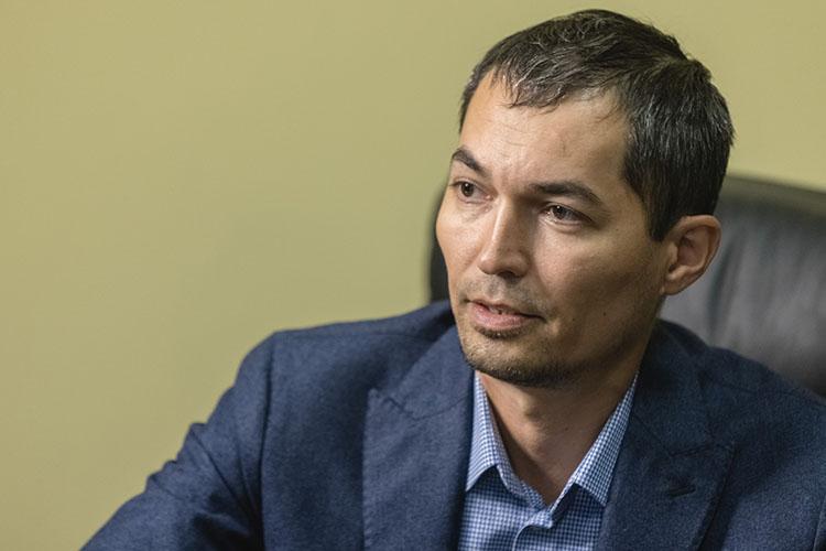 Нияз Муратов:«Бизнес расширился кратно, сама клиника «Надежные руки» выросла вчетыре раза, даже поплощадям. Кроме того, наше офтальмологическое отделение сформировалось вотдельную клинику «Смотри»