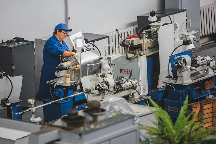 «Завод не зависит от поставок иностранных комплектующих, поэтому ничем серьезным для него эти санкции не обернутся, кроме, разве что, политической неприязни»