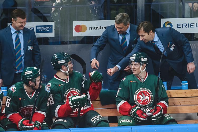 Главный тренер «Ак Барса» Дмитрий Квартальнов защищает своего игрока. С другой стороны, было бы странно, если тренер начал критиковать Кормье