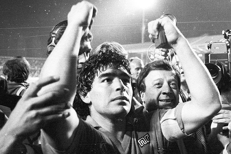 О смерти главного футболиста Аргентины стало известно вчера вечером. Диего Марадона скончался в возрасте 60 лет от инфаркта